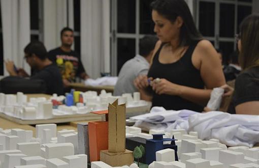 imagem-https://noticias.toledoprudente.edu.br/noticia/2020/7/profissao-ganha-destaque-no-mercado-de-trabalho