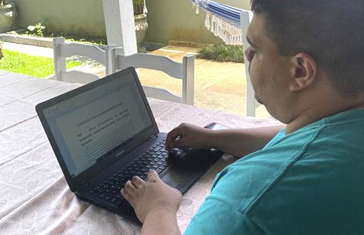 imagem-https://noticias.toledoprudente.edu.br/noticia/2020/10/estudantes-desenvolvem-manual-sobre-folha-de-pagamento-para-mei-